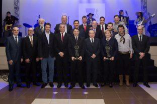 Senadora Ana Amélia e empresário Ildo buffon recebem Prêmio Coopetrol