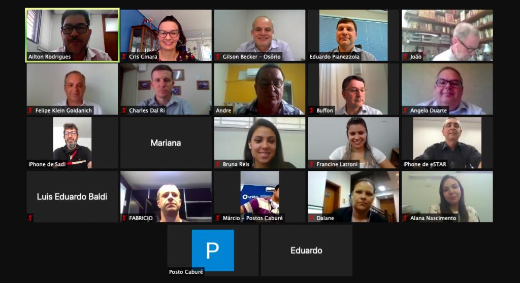 Diretores participam de reunião mensal
